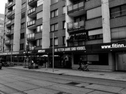 Wien 17, Ottakringer Straße